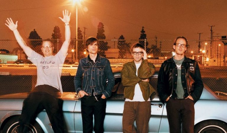 "New Weezer video for ""Cars 2"" highlights band's time in Japan"