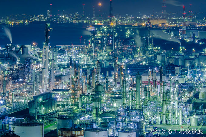 night_views_of_accessible_factories_10