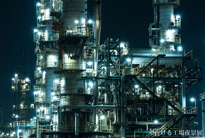 night_views_of_accessible_factories_12