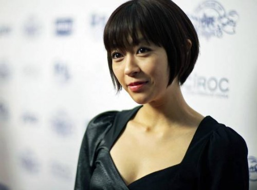 Utada Hikaru tweets for the first time after becoming a mother