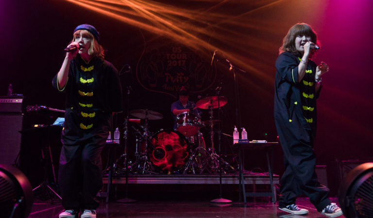 [LIVE REPORT] HI HI PUFFY AMIYUMI in Los Angeles, CA