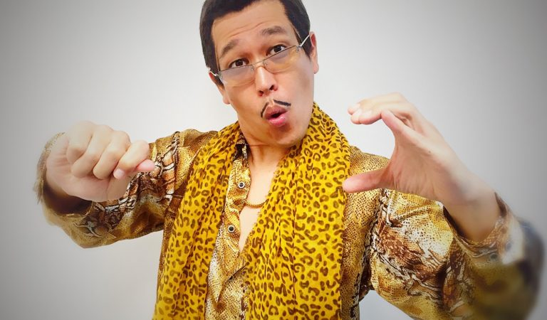PPAP star features 'SUSHI' after apple and pineapple!